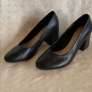 Sole Society black Elle heels 8.5